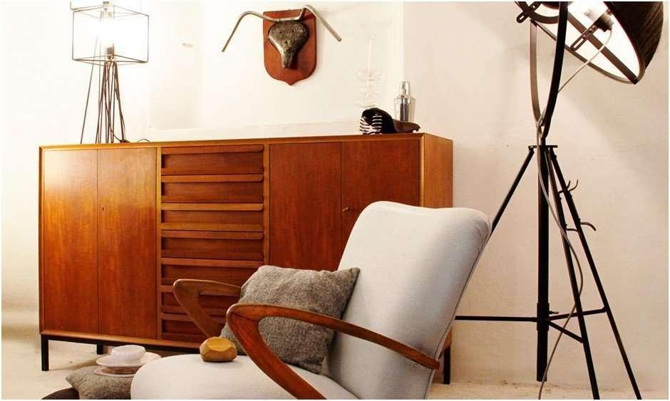 Moderne antike Möbel (ab 1950)